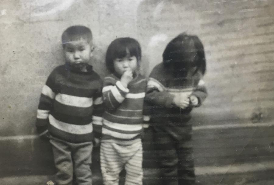 어릴때사진_900.jpg